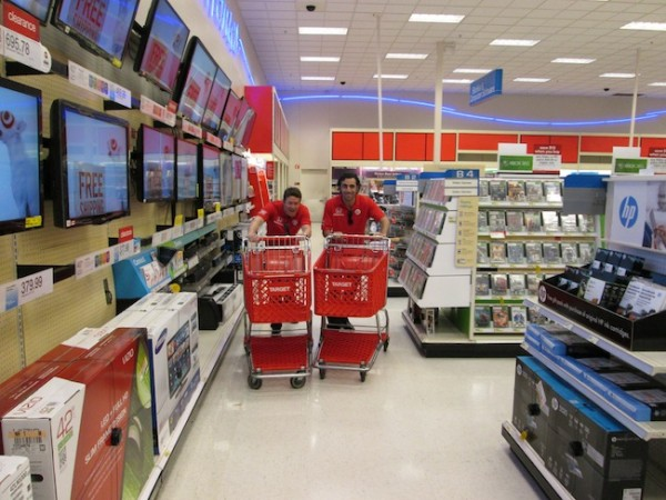 Scott and Dario race through the aisles