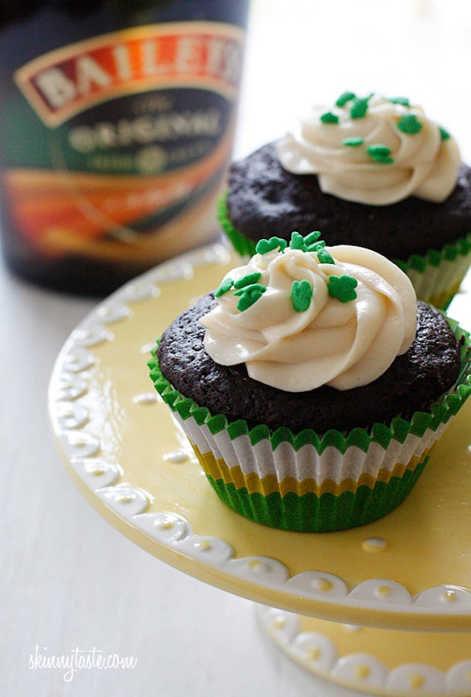 Chocolate Stout Cupcakes With Bailey's Irish Cream Cheese Frosting ...