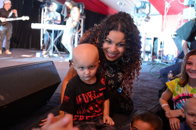 Jordin Sparks took a break after her performance to say hi to a few fans