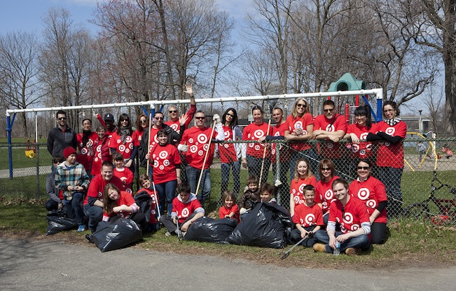 target volunteering - montreal april 2013 - 20