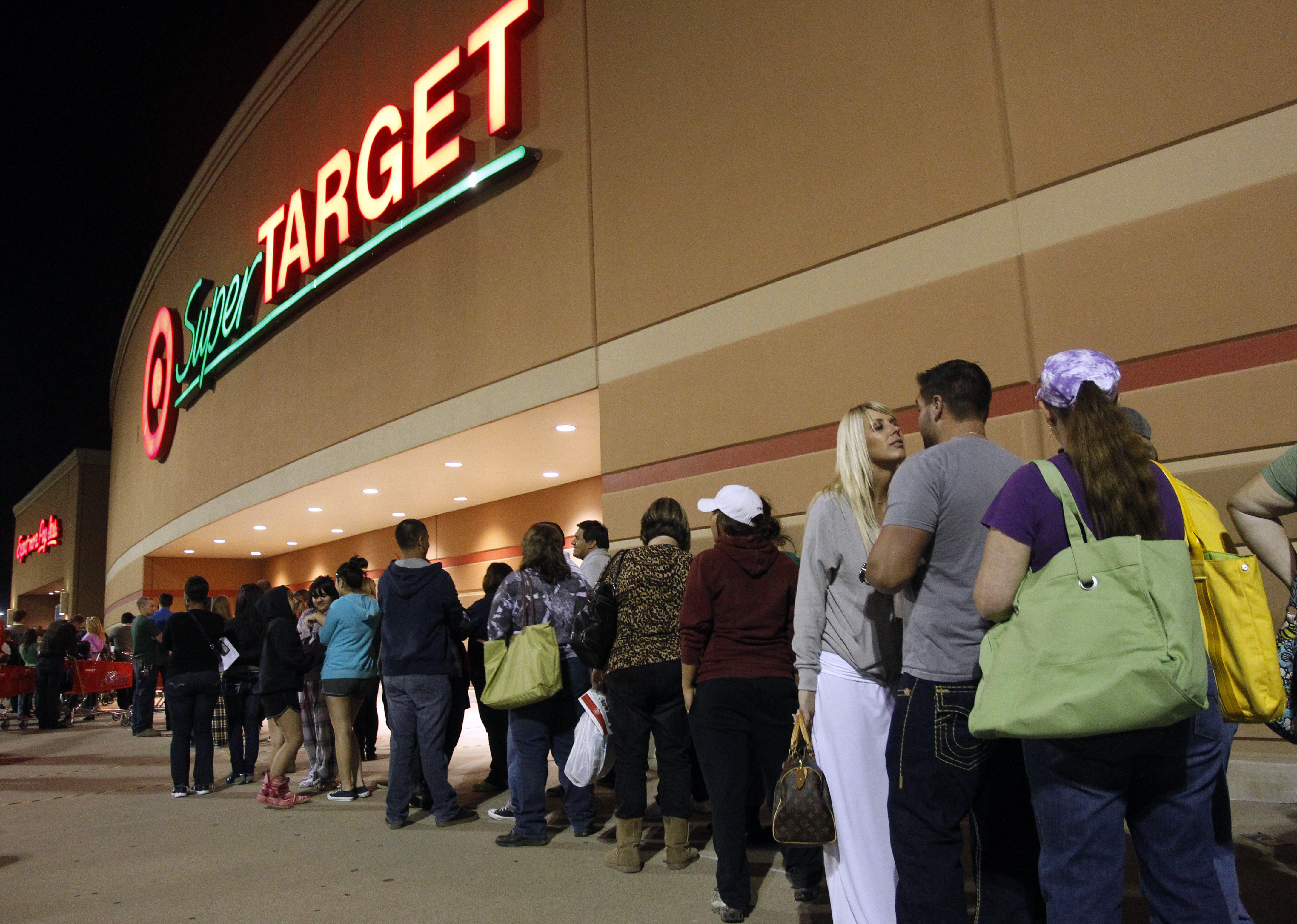 Target Stores To Open At 8 P M On Thanksgiving For Black Friday Deals