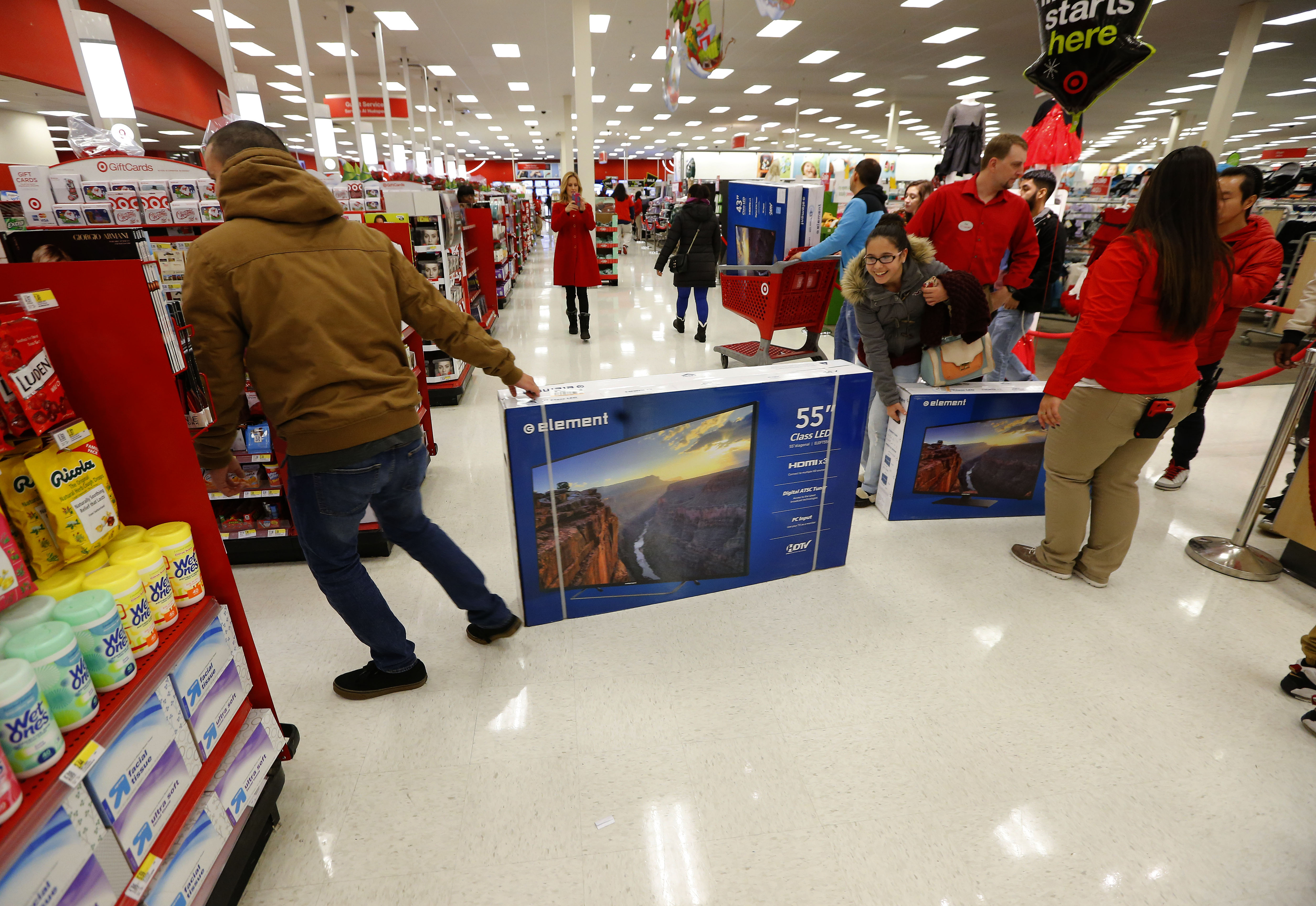 target reports strong start to black friday weekend online and in target ceo brian cornell at jersey city target cpany117